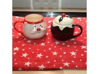 CHRISTMAS ACCESSORIES. MUGS & NAPKIN HOLDERS.
