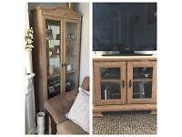 Tv unit & matching display cabinet good condition bargain price
