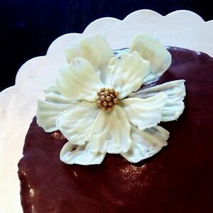Kisi Cakes - Wedding Cakes and Cupcakes London Ontario image 4