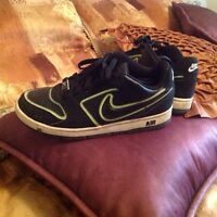 Ladies Sz.8 Nike & DC shoes