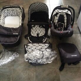 Baby weavers mono dot travel system
