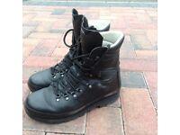 Altberg Defender Boots