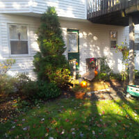 Lovely 2 Bdrm Private Home Apartment