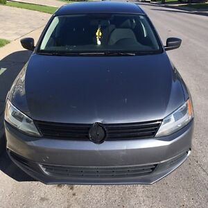 Selling my 2013 volkswagon jetta West Island Greater Montréal image 1