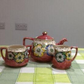 Antique China tea pot set