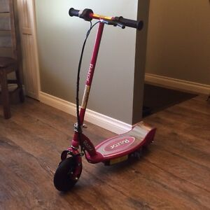 Electric rechargeable Razor E100 Scooter.