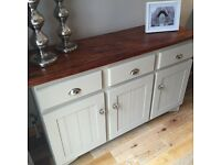STUNNING COUNTRY STYLE SIDEBOARD DRESSER