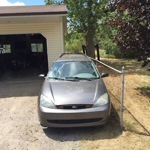 For sale or trade worth asking $1000 2003 Ford Focus se 5 speed
