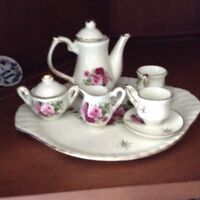 Tiny China Tea Set