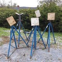 5 brown ell boat stands