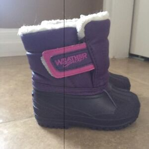 Winter boots - toddler size 3