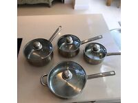 Set of Saucepans with Lids