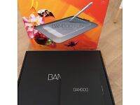 Wacom bamboo fun drawing tablet pen & touch