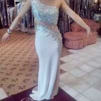 PROM DRESS FOR RENT/SALE! MSG FOR MORE DETAILS.