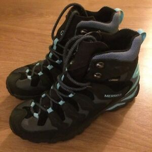 Hiking boots and shoes - women's 8.5 - never worn Kitchener / Waterloo Kitchener Area image 7