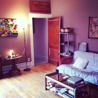 Room to rent in Outremont/mile end august 1st