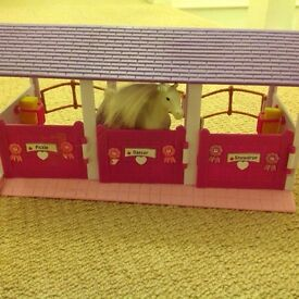 Horses and stables playset REDUCED