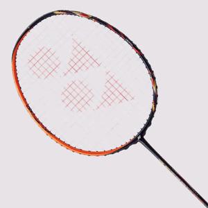 raquette de badminton Yonex astrox 99