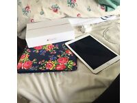 Gold 64gb iPad Air 2 wifi and cellular