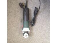 Metabo 900w w 9-115 angle grinder 240v £45