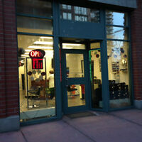 Hair Salon in Downtown for Sale (Must Sale)