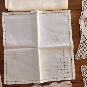 Huge Assortment Vintage Linens London Ontario image 8