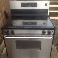 Fridgidare self cleaning stove