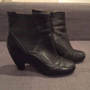 Miz Mooz Tally Boots in Black Size 7