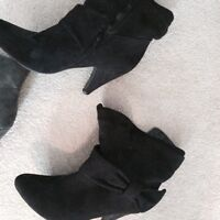 Boots with a heel, size 10