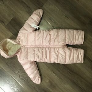 Old navy infant snow suit in pink size 12-18 months