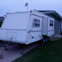 FOR RENT- LIGHTWEIGHT 21FT HYBRID CAMPER TRAILER