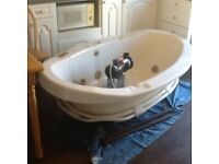 FREE !! FREE !! FREEE !! Whirlpool jacuzzi style bubble bath