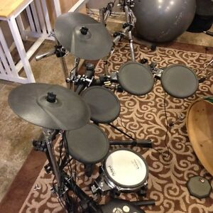 Electronic drums, cymbals, pedals