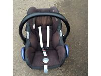 Maxi cosi car seat with Iso fix