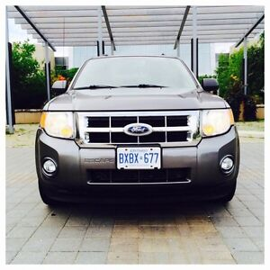 PENDING SALE *~ 2010 FORD ESCAPE XLT SUV [NAVIGATION-LOW-KM] ~*