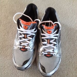 Men's Shoes Size 9.5 **Brand New**