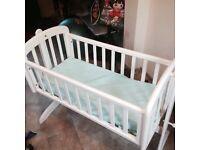 Baby cot £30