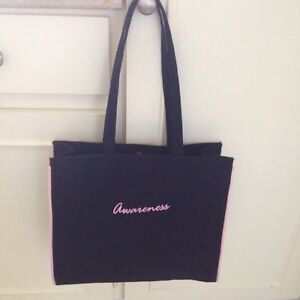 Excellent shape breast cancer awareness tote.  Kingston Kingston Area image 2