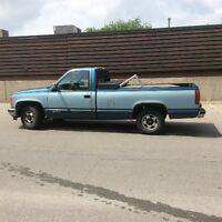 1990 Chevrolet two tone blue Pickup Truck