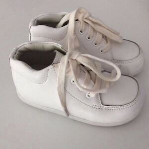Unisex (offwhite color) shoes.  Stride Rite brand (leather shoes) Mornington Clarence Area Preview