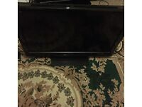 32 inch Toshiba HD TV built in Freeview HDMI immaculate condition