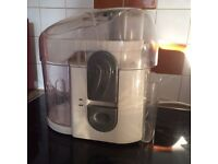 Juice extractor for veggies and fruits