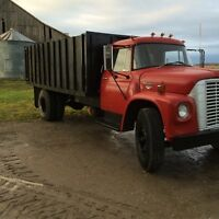 1967 international loadstar 1600 grain truck