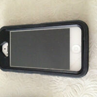 iphone 5 16gb with Otterbox