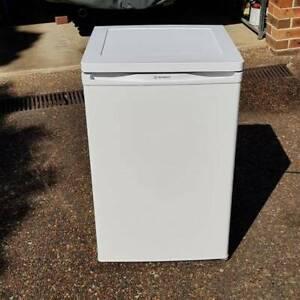 Westinghouse 124L bar fridge with freezer
