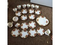 Royal Doulton Old Country Rose 1962 21 piece tea set plus extras