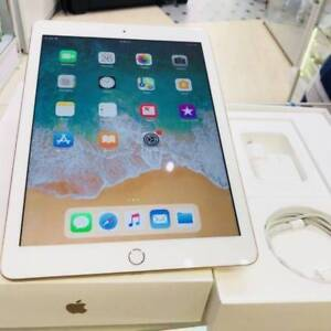 mint condition ipad 5th 32gb wifi cell gold box tax invoice wrty Surfers Paradise Gold Coast City Preview