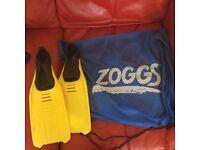 Kids swim flippers,fins 11.5/13 and zoggs swim bag