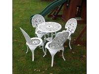 CAST ALUMINIUM GARDEN TABLE AND 4 CHAIRS WHITE