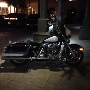 Harley Davidson Road King police bike